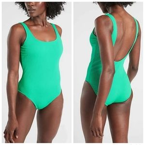 NWT|Athleta Ribbed Scoop Neck One Piece Swimsuit